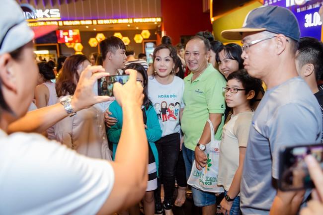 Việt Hương tự nhận mới 18 tuổi, thường xuyên mắng chửi Trấn Thành vì lý do này - Ảnh 6.