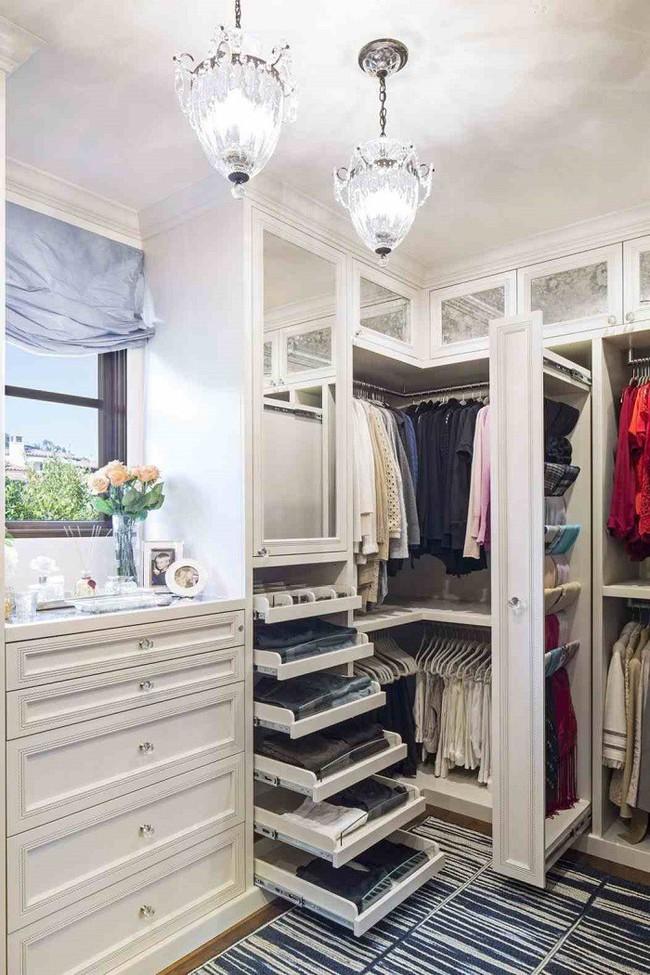 7 mẹo vặt giúp đựng cả thế giới vào tủ quần áo mà vẫn gọn gàng, đẹp mắt - Ảnh 1.