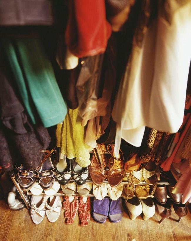 7 mẹo vặt giúp đựng cả thế giới vào tủ quần áo mà vẫn gọn gàng, đẹp mắt - Ảnh 6.