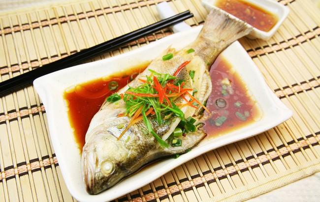 Có những bộ phận ở cá mà trẻ không nên ăn, bố mẹ cần biết để tránh hối hận về sau - Ảnh 1.