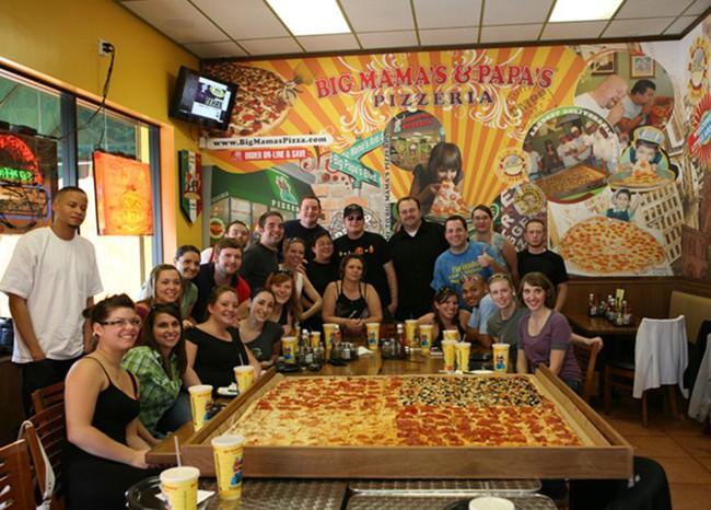 Chiếc pizza giao hàng tận nơi giá 7 triệu đồng, phải 70 người ăn mới hết  - Ảnh 5.