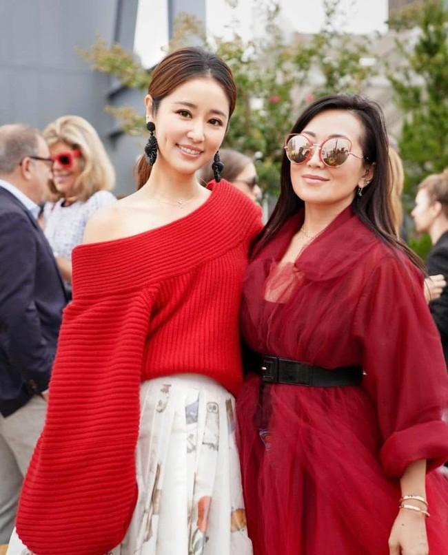 Trong khi Hoắc Kiến Hoa bận làm Càn Long thị tẩm phi tần, Lâm Tâm Như lẻ bóng đi dự show tại Tuần lễ thời trang New York - Ảnh 6.