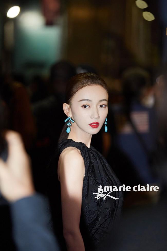 Trong khi Hoắc Kiến Hoa bận làm Càn Long thị tẩm phi tần, Lâm Tâm Như lẻ bóng đi dự show tại Tuần lễ thời trang New York - Ảnh 7.