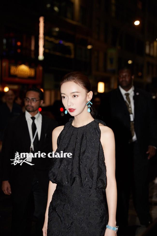 Trong khi Hoắc Kiến Hoa bận làm Càn Long thị tẩm phi tần, Lâm Tâm Như lẻ bóng đi dự show tại Tuần lễ thời trang New York - Ảnh 8.