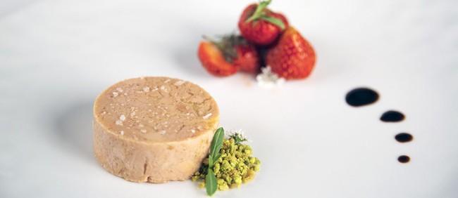 Gan ngỗng - đỉnh cao văn hóa ẩm thực Pháp: Khi lằn ranh giữa món ăn xa hoa và nỗi thống khổ tột cùng của loài ngỗng bị xóa mờ - Ảnh 3.