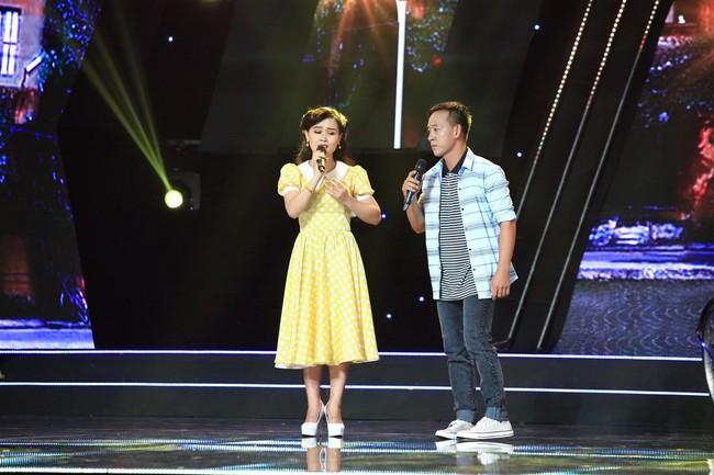 Đàm Vĩnh Hưng cưỡng hôn vợ chồng Cẩm Ly - Minh Vy ngay trên sóng truyền hình - Ảnh 4.