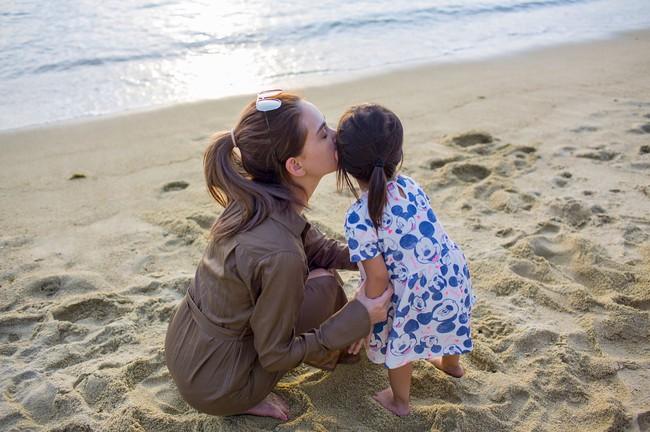 Hiếm hoi lắm mới đăng ảnh con gái, vợ Châu Kiệt Luân chẳng thể ngờ dân tình lại chỉ quan tâm đến điều này - Ảnh 2.