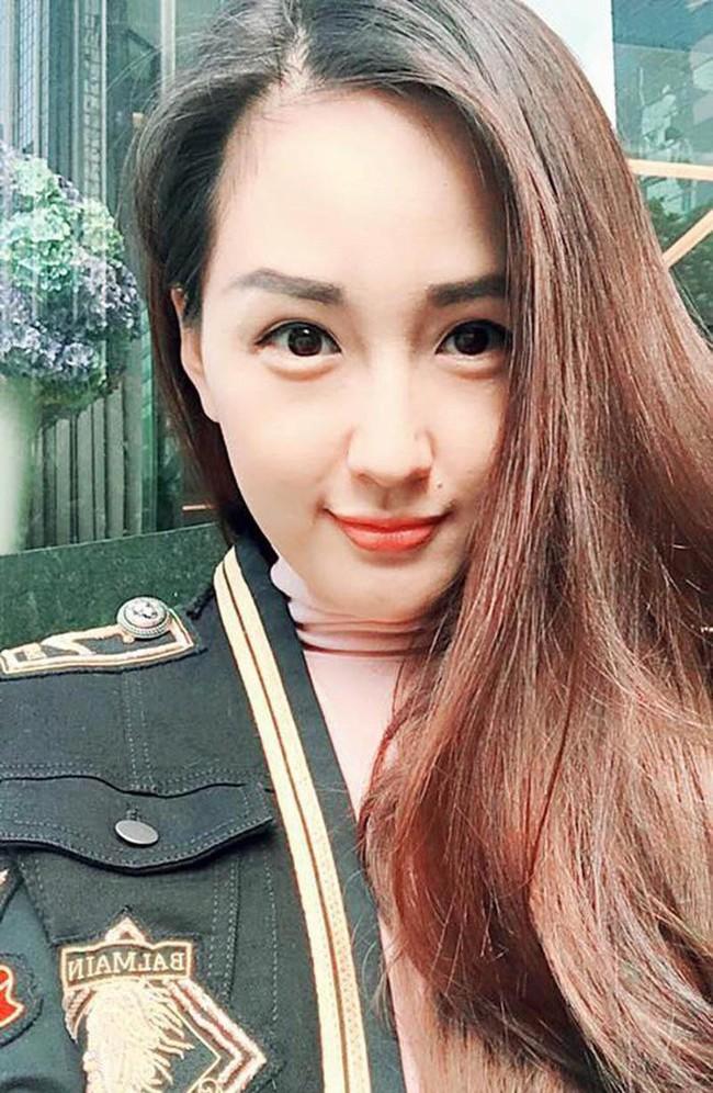Nhìn lại Mai Phương Thúy của 10 năm trước: Từ cô Hoa hậu da ngăm đen bị ném đá đến mỹ nhân gợi cảm của showbiz Việt - Ảnh 6.