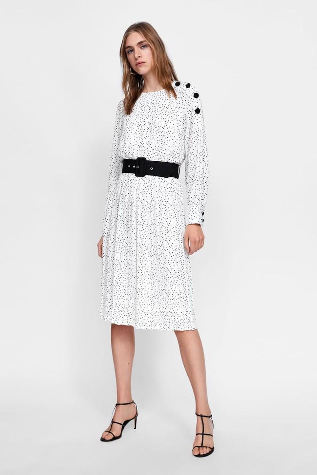 Duyên dáng như Hà Hồ diện váy liền dạo phố đón nắng thu, Zara và H&M cũng gợi ý 10 mẫu váy midi siêu nữ tính dành riêng cho bạn - Ảnh 7.