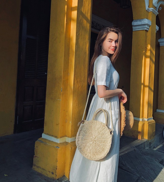 Duyên dáng như Hà Hồ diện váy liền dạo phố đón nắng thu, Zara và H&M cũng gợi ý 10 mẫu váy midi siêu nữ tính dành riêng cho bạn - Ảnh 2.