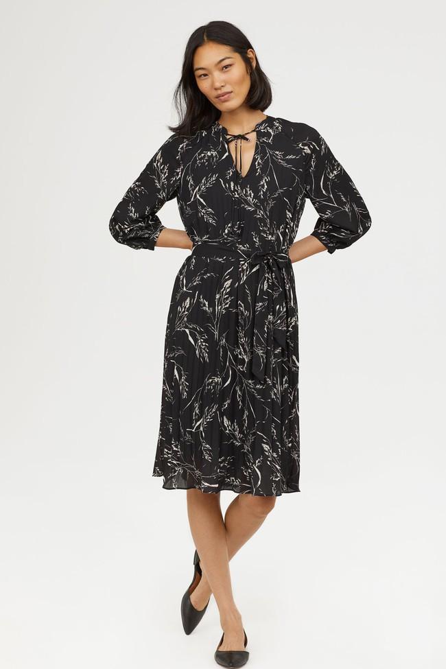 Để không chậm chân như Hà Hồ, hãy tham khảo ngay 10 mẫu váy midi mới nhất từ Zara, H&M dành riêng cho mùa thu này - Ảnh 12.