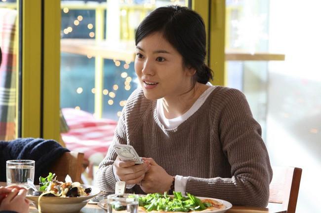 Sau kết hôn, Song Hye Kyo bật mí 3 phương pháp giữ gìn nhan sắc mà bất kỳ cô gái nào cũng làm được - Ảnh 3.