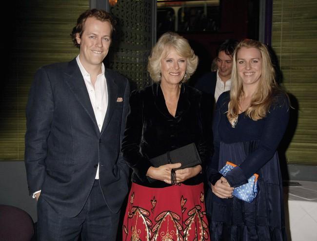 Lần đầu hé lộ những bí mật gây sốc về bà Camilla, người phụ nữ hoàng gia đang bị cả thế giới ghét bỏ - Ảnh 4.
