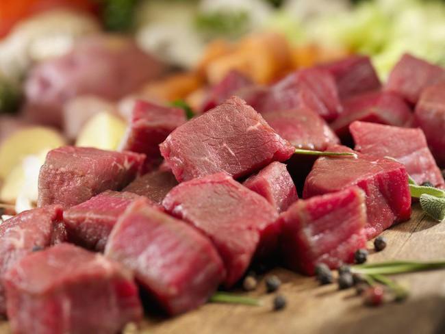 Cứ làm món thịt bò là tôi lại cho thêm thứ nước này vào, dù thịt có dai đến mấy cũng mềm ngọt, tan ngay trong miệng  - Ảnh 1.