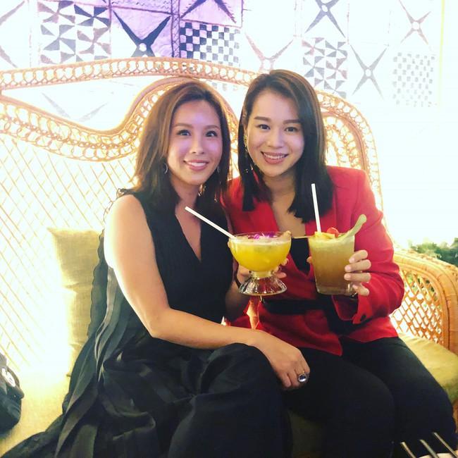 Hoa hậu Thu Hoài khoe được bạn thân Hồ Hạnh Nhi gửi tặng hàng hiệu đắt đỏ  - Ảnh 3.