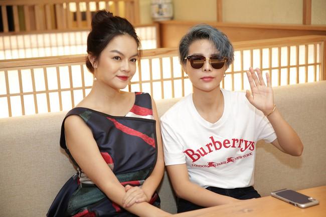 Phớt lờ tin đồn rạn nứt hôn nhân, Phạm Quỳnh Anh xuất hiện tươi tắn bên Hương Giang  - Ảnh 11.