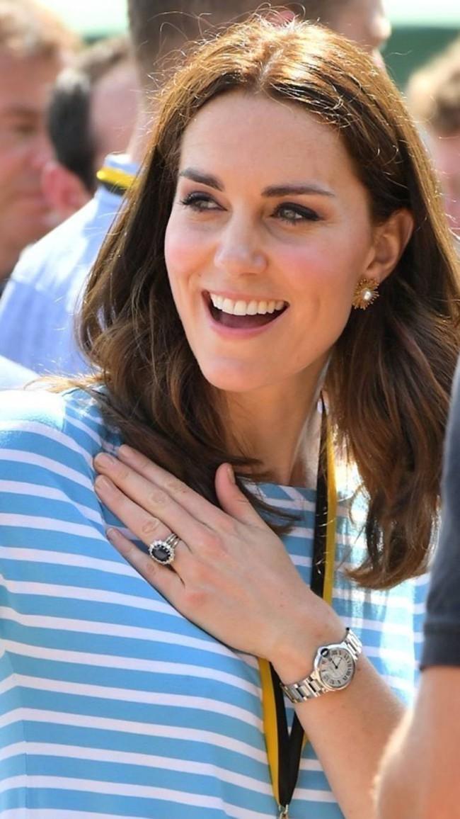 Ẩn sau chiếc đồng hồ mà Kate Middleton thường đeo là bí mật ngọt ngào, liên quan đến cả Công nương Diana - Ảnh 1.
