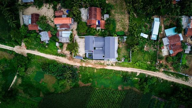 Ngắm ngôi nhà mang tên An Lão, trọn vẹn và đẹp đẽ như tấm lòng của người con dành tặng cho cha mẹ ở Bình Định - Ảnh 1.