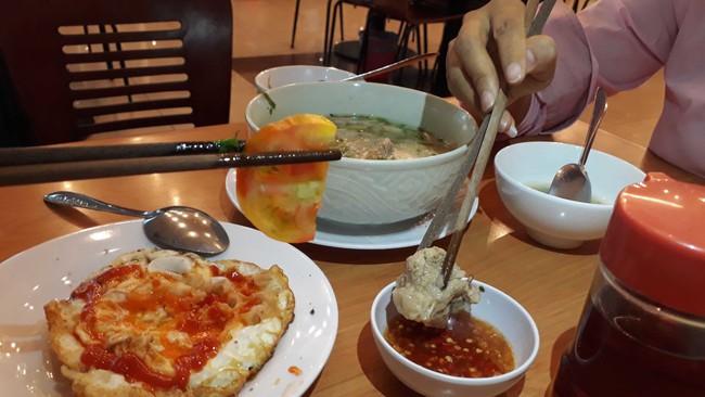 5 phép lịch sự vô cùng quan trọng trong bữa ăn hàng ngày, nhưng nhiều phụ huynh lại thường quên dạy con - Ảnh 2.