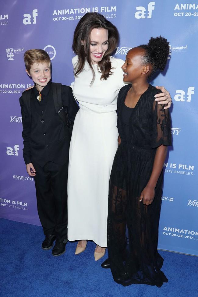 Sau 2 năm nộp đơn ly hôn, Angelina Jolie bất ngờ tìm gặp lại chồng cũ Brad Pitt