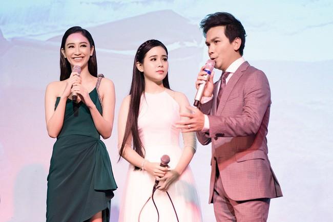 Lần đầu hát cùng Mạnh Quỳnh, Á hậu Hà Thu xúc động đến phát run  - Ảnh 2.