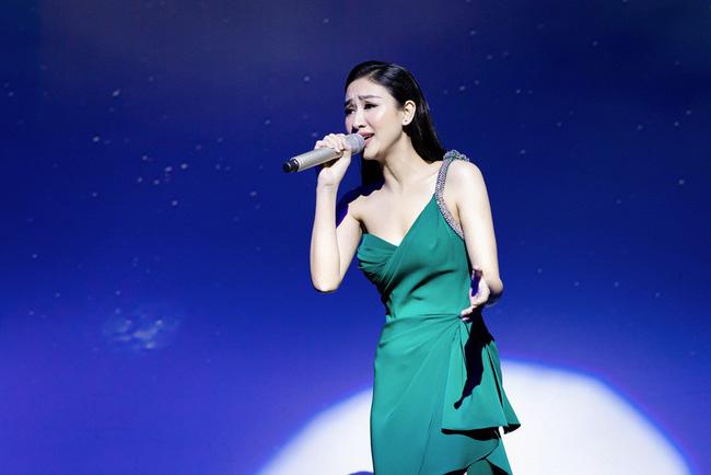 Lần đầu hát cùng Mạnh Quỳnh, Á hậu Hà Thu xúc động đến phát run  - Ảnh 7.