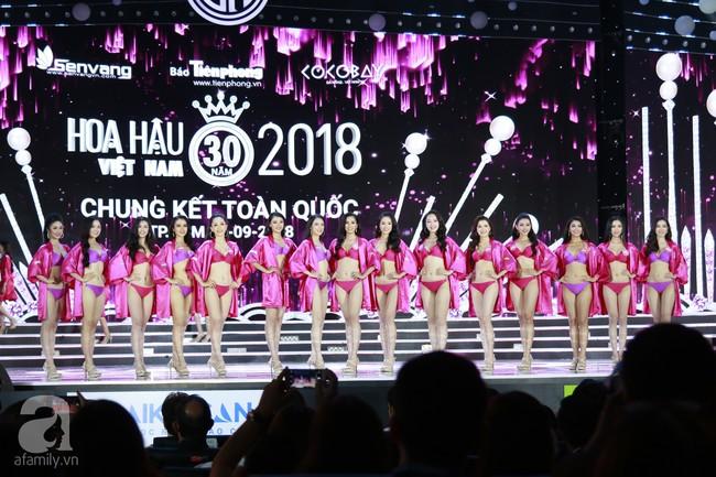 Chung kết HHVN 2018: Top 10 lộ diện gồm nữ tiếp viên hàng không, người đẹp từng nặng 90kg - Ảnh 13.