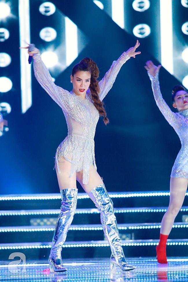 Hồ Ngọc Hà diện trang phục bó sát khuấy động sân khấu Chung kết Hoa hậu Việt Nam 2018 với 2 bản hit mới - Ảnh 7.