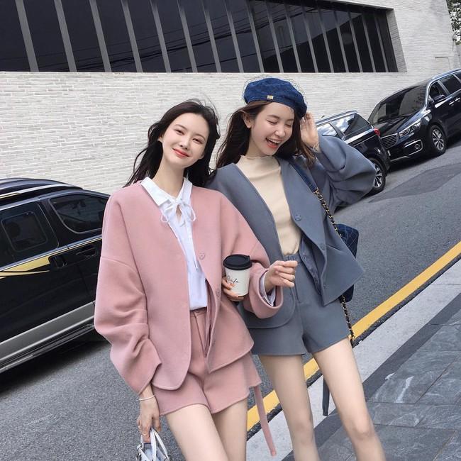 Chưa lạnh hẳn nhưng áo len và cardigan đã rục rịch phủ kín street style Châu Á tuần này - ảnh 12