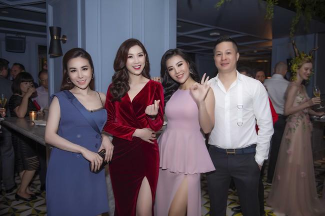 Phí Thùy Linh được chồng doanh nhân điển trai như tài tử hộ tống đi sự kiện - Ảnh 7.