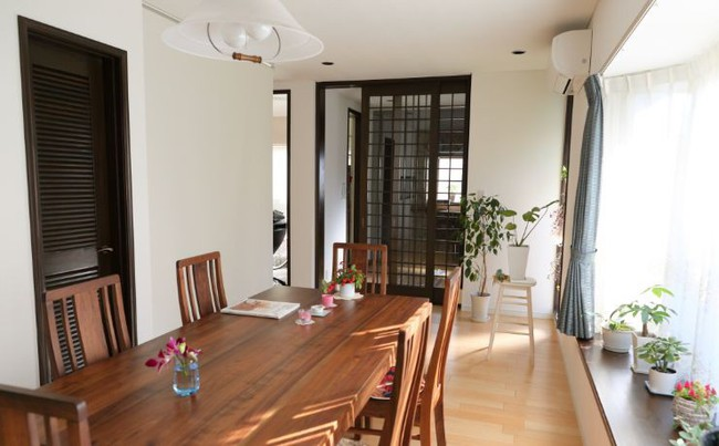 Ngôi nhà nhỏ lãng mạn của đôi vợ chồng trẻ từ bỏ cuộc sống ở Tokyo, Nhật Bản để về ngoại ô sinh sống - Ảnh 24.