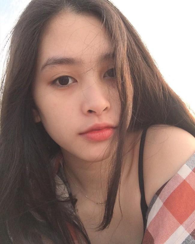 Nhìn Hoa hậu - Á hậu Việt Nam 2018 makeup nhẹ nhàng sẽ thấy son phấn đôi khi cũng nợ con gái một lời xin lỗi! - Ảnh 2.