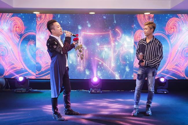 Tùng Dương lần đầu song ca cùng em trai trên sân khấu - Ảnh 4.