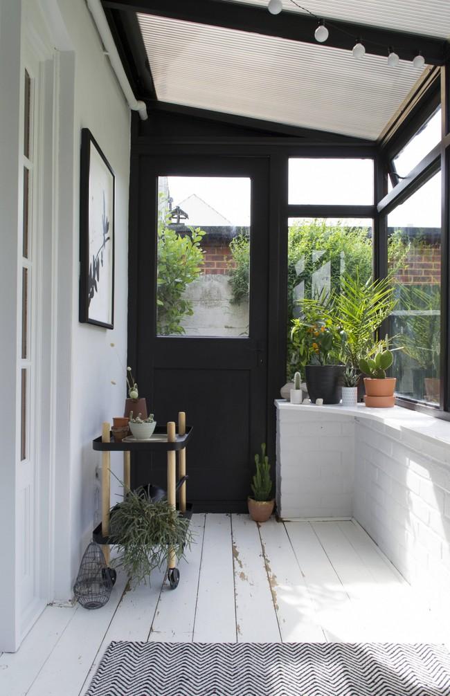 Sau cải tạo, căn phòng cũ nhạt nhẽo đã biến thành góc thư giãn ngập tràn ánh nắng với phong cách Scandinavian  - Ảnh 6.
