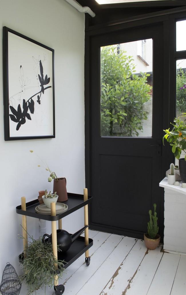Sau cải tạo, căn phòng cũ nhạt nhẽo đã biến thành góc thư giãn ngập tràn ánh nắng với phong cách Scandinavian  - Ảnh 8.