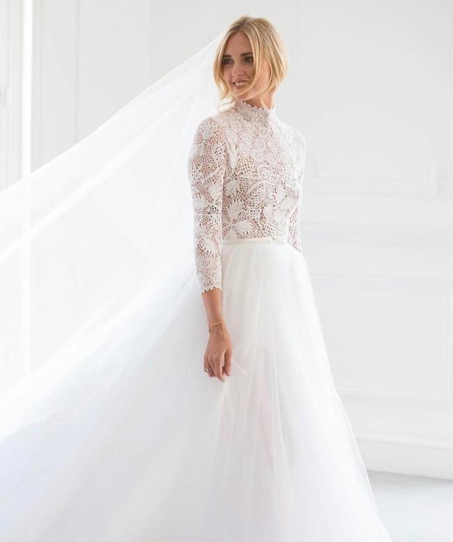 Váy cưới của hot fashionista Chiara Ferragni đẹp hơn tưởng tượng, được Dior thiết kế riêng và tốn tới 1600 giờ để hoàn thiện - Ảnh 3.