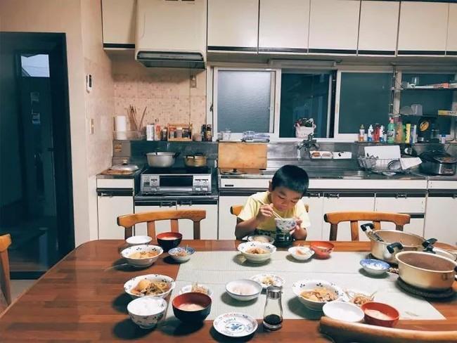 Cuộc sống yên bình bên ngôi nhà gỗ của gia đình 4 người ở vùng nông thôn Nhật Bản - Ảnh 13.