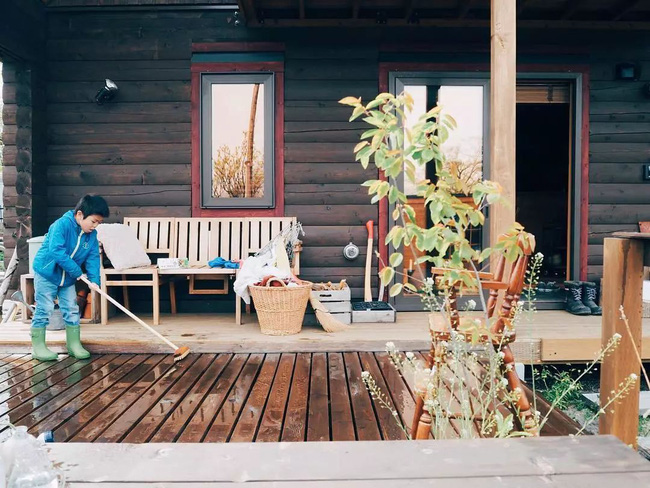 Cuộc sống yên bình bên ngôi nhà gỗ của gia đình 4 người ở vùng nông thôn Nhật Bản - Ảnh 11.