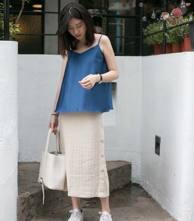 Chân ngắn hay dài mặc lên đều cao ráo tức thì với 15 công thức mix đồ thú vị từ chân váy midi - Ảnh 1.