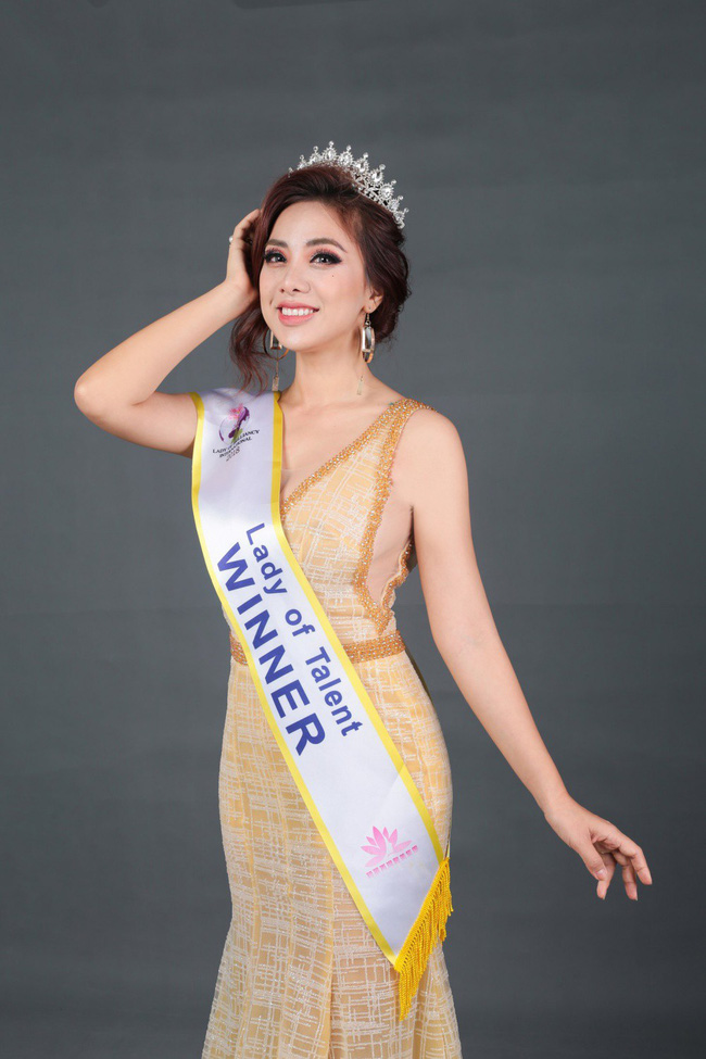 Miko Lan Trinh bất ngờ đoạt danh hiệu Hoa hậu Tài năng - Ảnh 1.