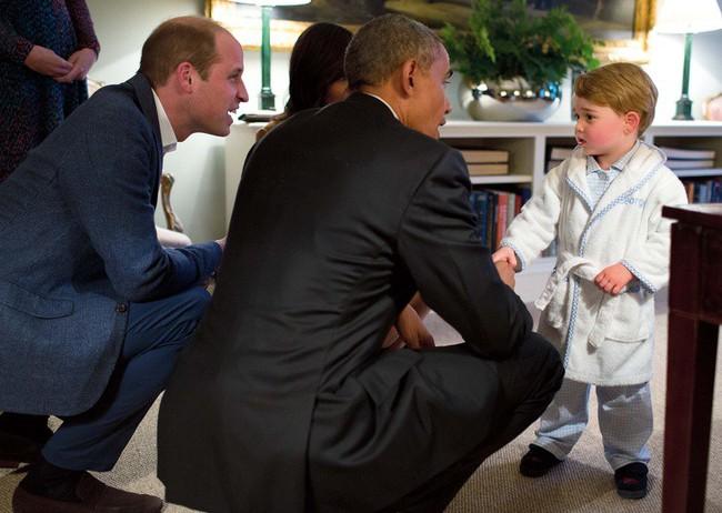 Đây chính là những bức ảnh chứng minh rằng cho dù bạn là Công nương, Hoàng tử hay Nữ Hoàng thì vẫn chỉ là những người vô cùng bình thường - Ảnh 5.