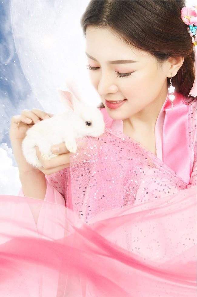 Xuất hiện cô gái xinh đẹp khiến Hari Won nổi cơn ghen lồng lộn với Trấn Thành - Ảnh 4.