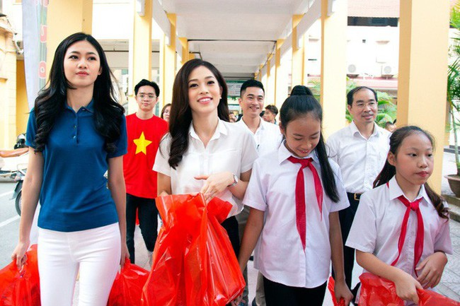 Á hậu Phương Nga giản dị đi thiện nguyện cùng Mỹ Linh và Thanh Tú sau khi đăng quang - Ảnh 3.