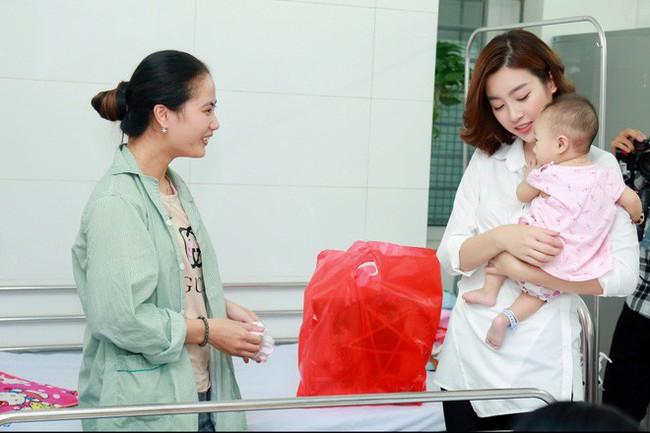 Á hậu Phương Nga giản dị đi thiện nguyện cùng Mỹ Linh và Thanh Tú sau khi đăng quang - Ảnh 4.