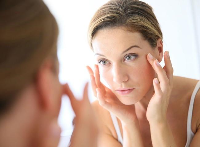10 cách chống lại tuổi tác và giữ mãi nét thanh xuân trên cơ thể dễ hơn ăn kẹo mà ai cũng làm được - Ảnh 1.