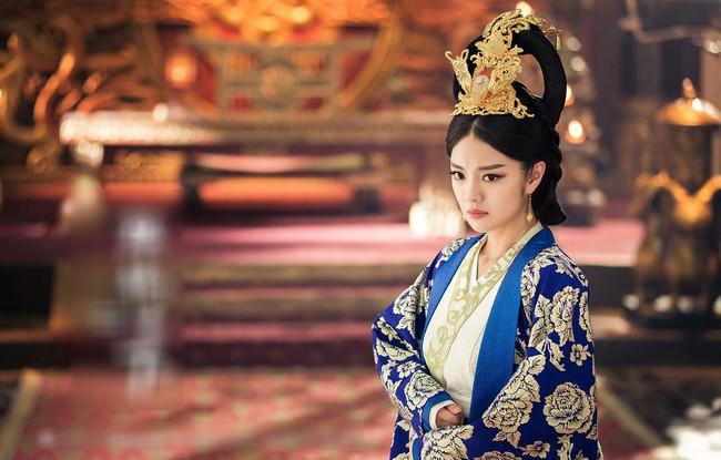 Cố Luân Hòa Hiếu Công Chúa - cô con gái út kỳ lạ được Càn Long yêu thương nhất, hưởng vinh hoa suốt 3 đời Hoàng đế Thanh triều  - Ảnh 6.