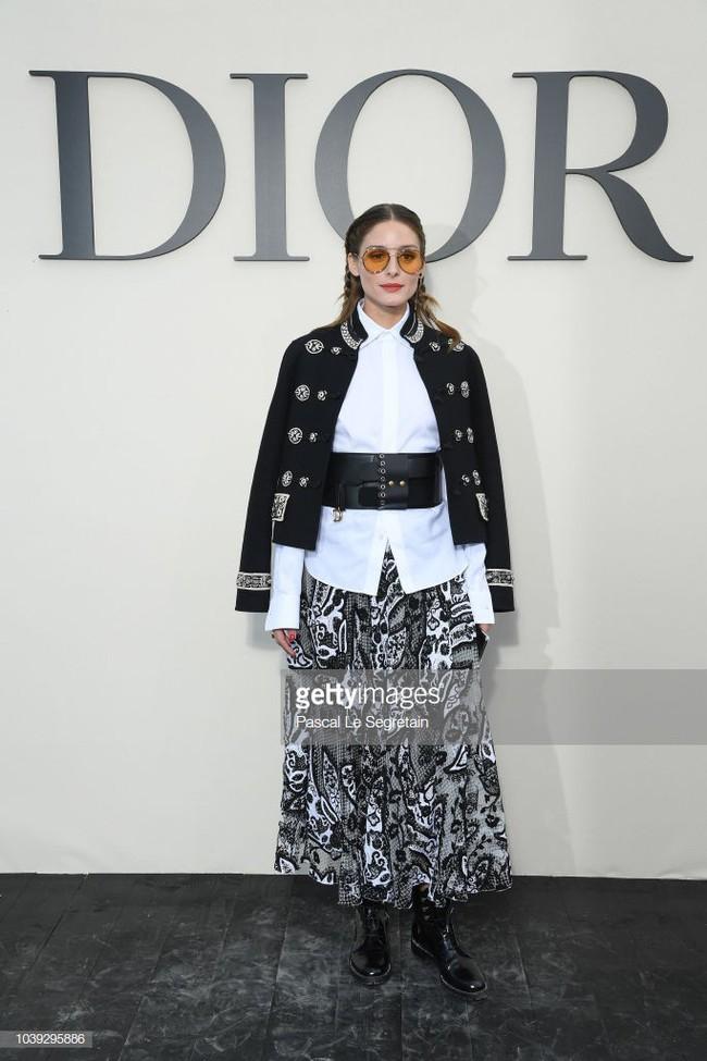 Angela Baby mặc váy đen mà nổi bần bật, Gong Hyo Jin diện nguyên set đồ người mẫu dự show Dior - Ảnh 14.