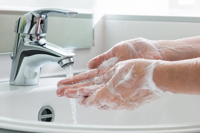 7 bộ phận trên cơ thể dù bạn vẫn kì cọ hàng ngày nhưng chưa chắc đã làm đúng: Đây mới là điều cần làm để sạch sẽ - Ảnh 1.