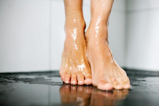 7 bộ phận trên cơ thể dù bạn vẫn kì cọ hàng ngày nhưng chưa chắc đã làm đúng: Đây mới là điều cần làm để sạch sẽ - Ảnh 6.