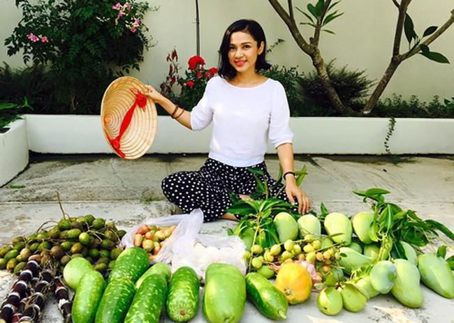 Người đẹp Tây Đô Việt Trinh và ngôi nhà an yên bên khu vườn ngập tràn rau trái - Ảnh 7.